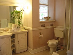 Elizabeth Room | Bathroom