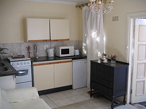 Self Catering Flat | Ann's Cottage | Kitchenette